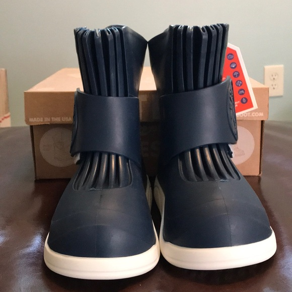 BUTLER kids OverbootsClassic Navy Size waterproof rain over boots Size 9